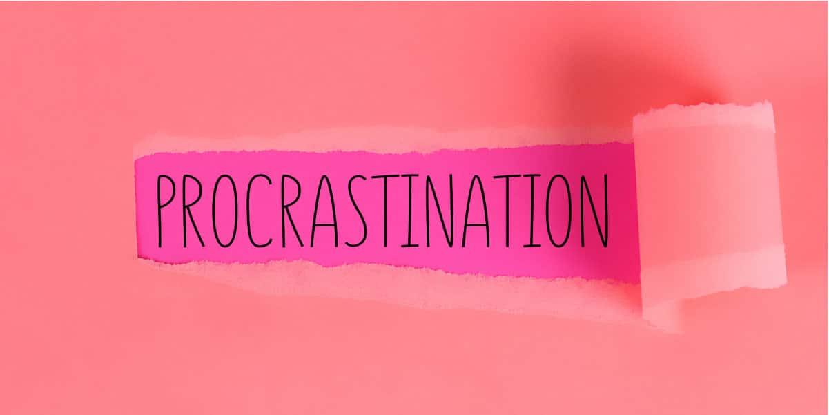 perder tiempo trabajando